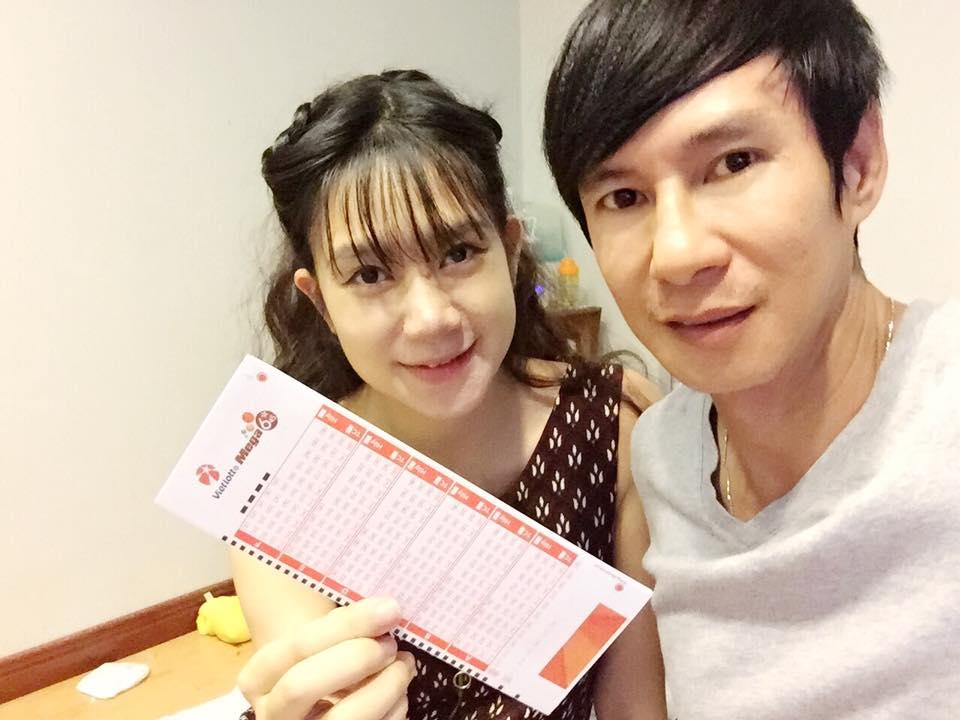 Ly-Hai-Minh-Ha-mua-ve-xo-so-tu-cho-mega-645-ngay-ra-mat