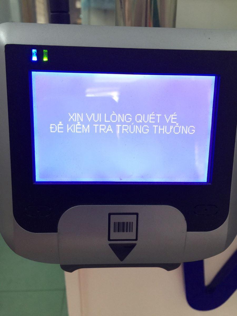 Hình ảnh Máy kiểm tra vé trúng thưởng tại các điểm bán hàng của Vietlott
