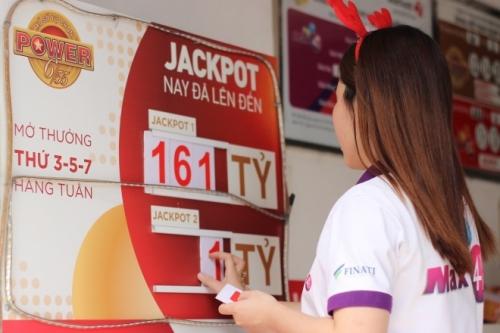 Doanh thucủa Vietlott tăng gấp đôi so với năm đầu tiên công ty triển khai loại hình xổ số tự chọn.